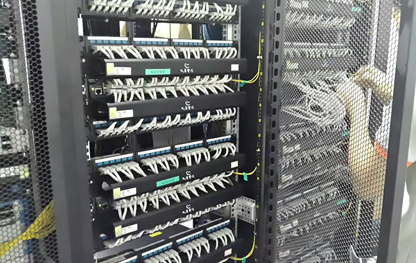 湖南展日科技-办公综合布线细节决定yabox10质量